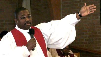 SANY0001-pastor1